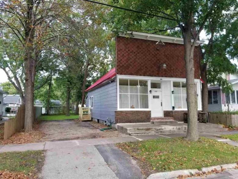 898 Elmore Street, Green Bay, WI by The Rosemont Group Realty, LLC $68,900