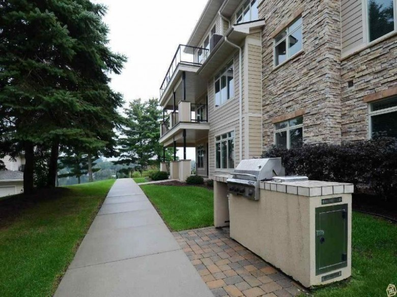 670 E Lake Ave 207, Wisconsin Dells, WI by Restaino & Associates Era Powered $299,900