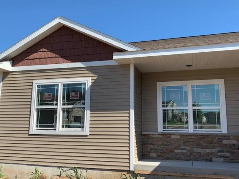 1207 Sauk St, Lodi, WI by Restaino & Associates Era Powered $339,900