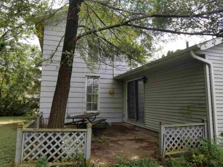 442 E Main St, Evansville, WI by Century 21 Affiliated $114,900
