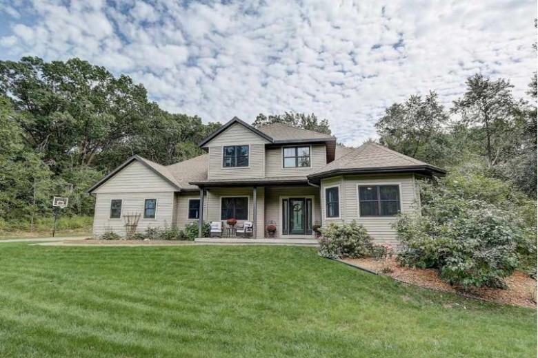 6167 W Grand Videre Dr 29, Janesville, WI by Keller Williams Realty Signature $400,000