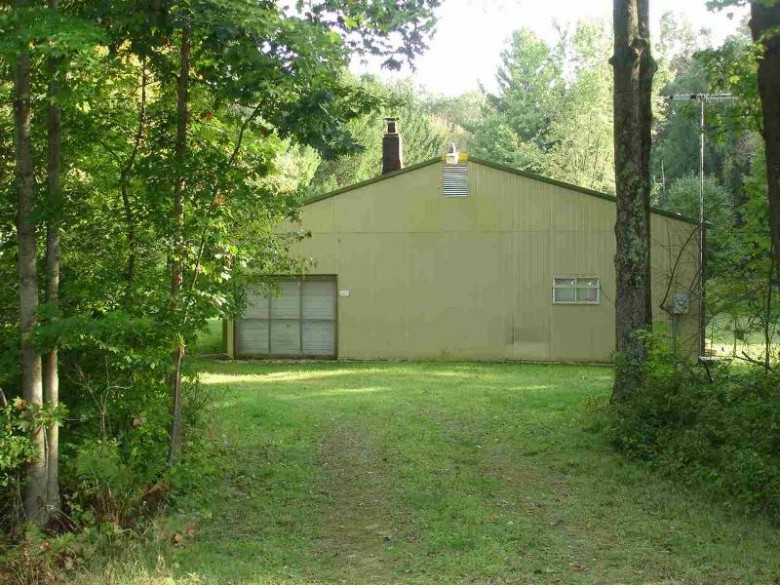 N9081 W Silver Spring Dr, Neshkoro, WI by First Weber Real Estate $140,000