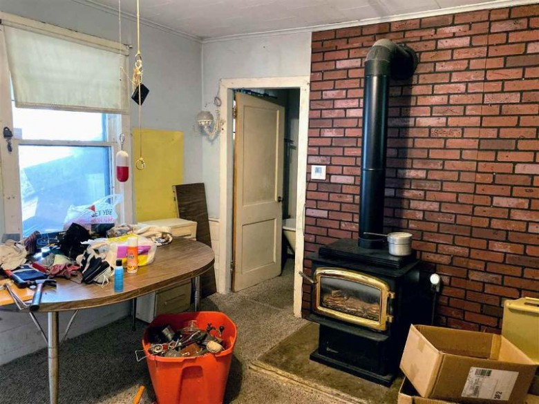 158 N Wacouta Ave, Prairie Du Chien, WI by Re/Max Ridge-N-River $49,900