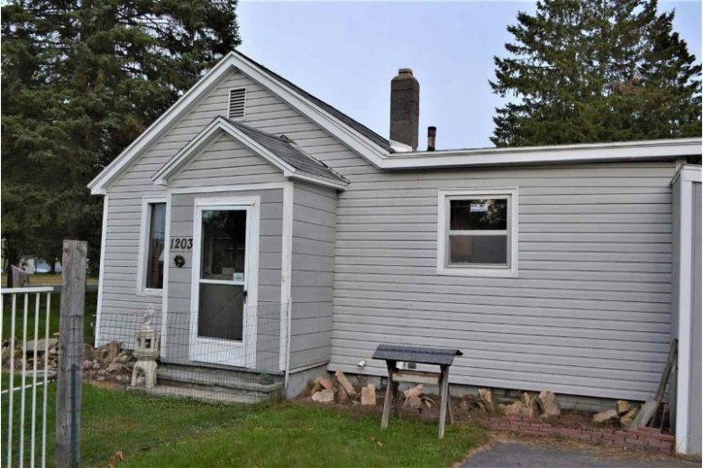 1203 S 12th Avenue, Wausau, WI by Re/Max Excel $67,900