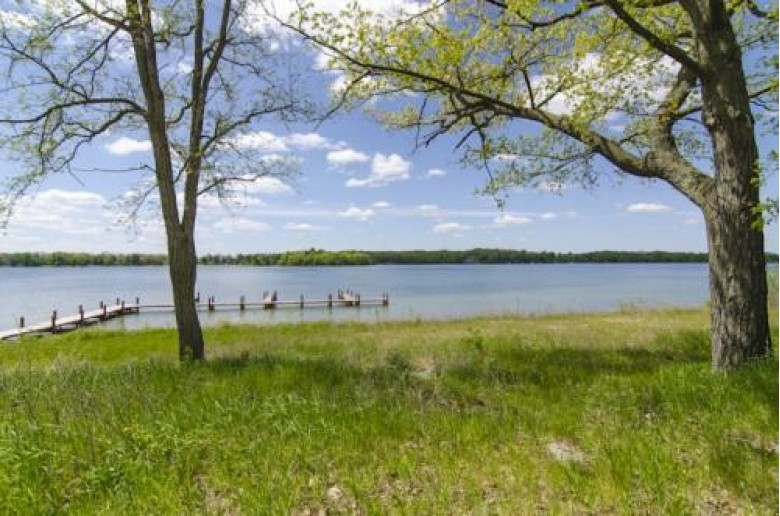 685 E Valley Rd, Oconomowoc, WI by Main Street Real Estate Holdings, Llc $1,200,000