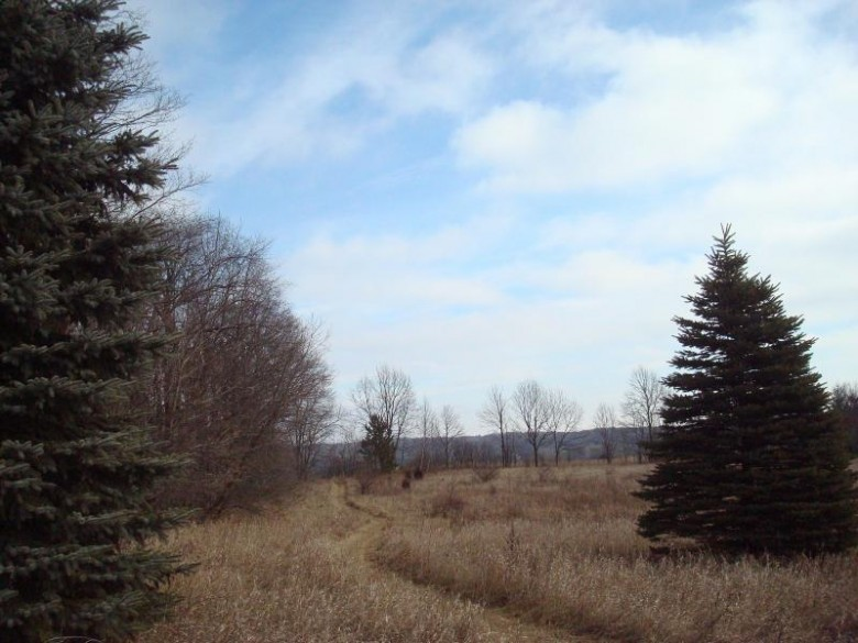 4707 S Blue Heron Dr, West Bend, WI by First Weber Real Estate $169,000