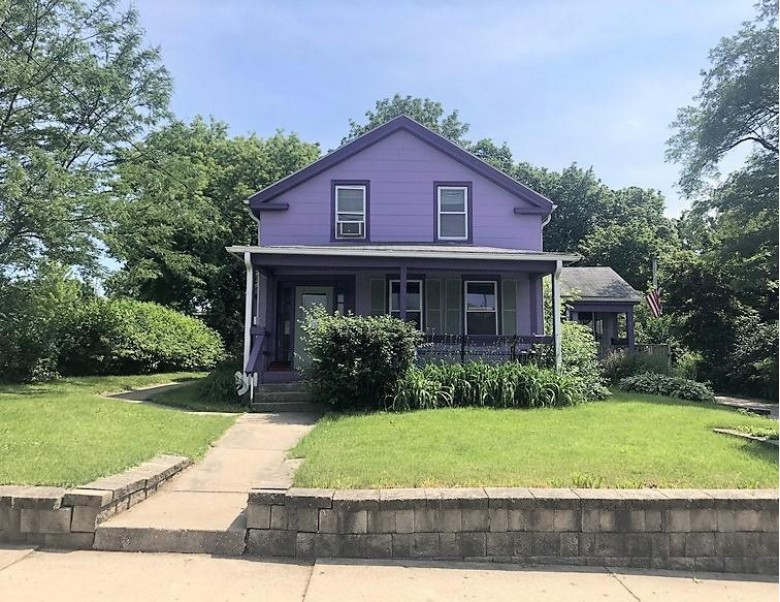 435 Wisconsin Ave, Waukesha, WI by Map Realty Group Llc $135,000