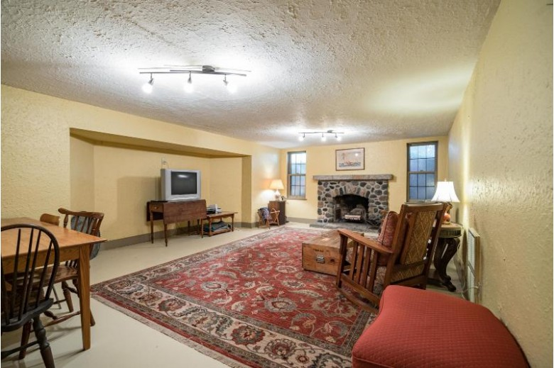 1560 E Blackthorne Pl, Whitefish Bay, WI by Keller Williams Realty-Milwaukee North Shore $849,900