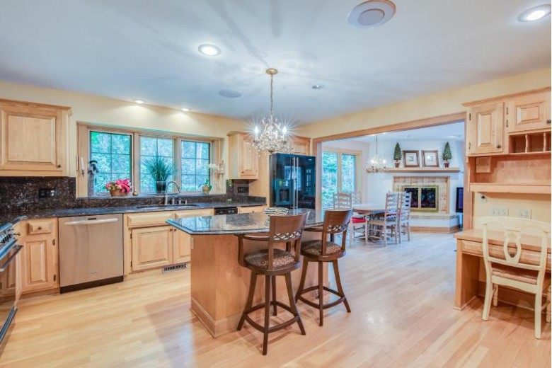 5389 Oak Lodge Rd, West Bend, WI by First Weber Real Estate $2,990,000