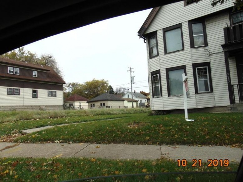 4375 N Green Bay Ave, Milwaukee, WI by Ogden, The Real Estate Company $71,750
