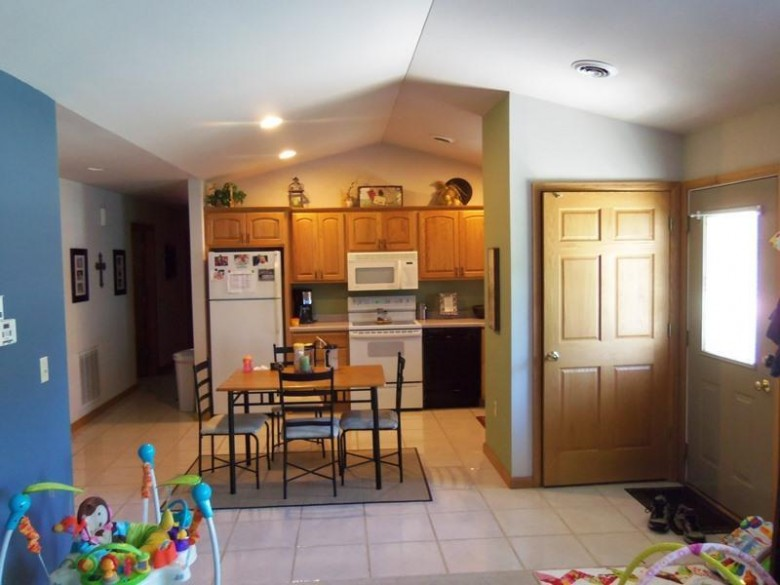 2420 Carmen Ave 7, Sheboygan, WI by Re/Max Universal $135,000