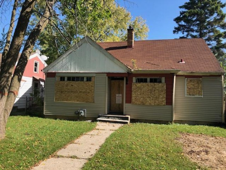 4950 N 21st St, Milwaukee, WI by Ogden, The Real Estate Company $29,500