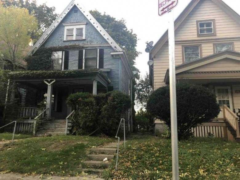 3916 W Walnut St, Milwaukee, WI by Ogden, The Real Estate Company $17,000