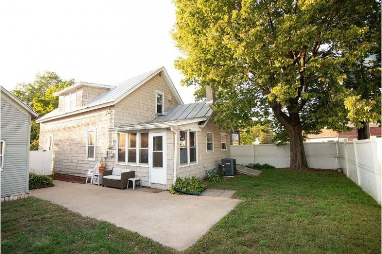 2315 13th Pl S, La Crosse, WI by Re/Max Results $134,900