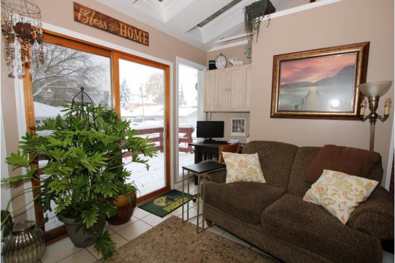 190 E Division St, Fond Du Lac, WI by Adashun Jones Real Estate $196,900