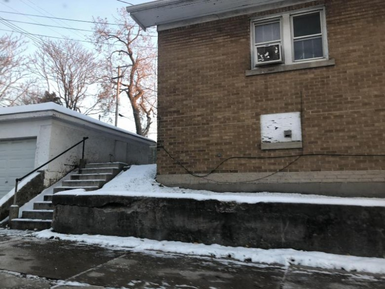 762 N 26th St, Milwaukee, WI by Ogden, The Real Estate Company $38,850