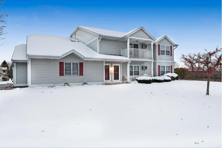 808 Worthington Ct A, West Bend, WI by Re/Max United - West Bend $124,900