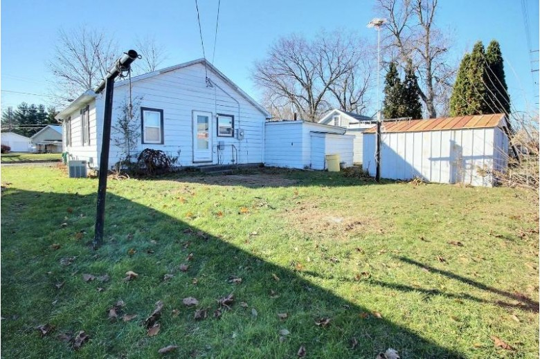 2227 Diagonal Rd, La Crosse, WI by Cindy Gerke & Associates $64,900