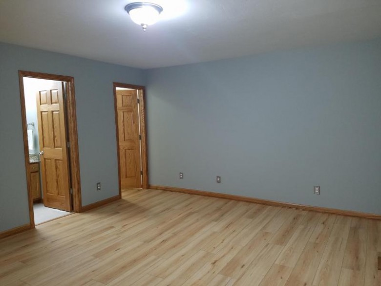 513 Parkview Dr, Johnson Creek, WI by Realty Executives Integrity~brookfield $249,900