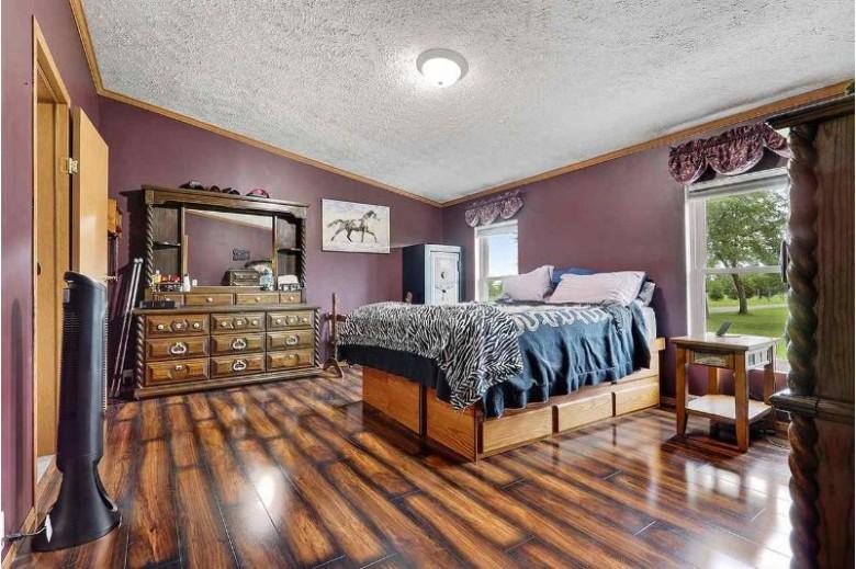 5915 Hwy J, Oconto, WI by N.E.W. Discount Realty LLC $249,999