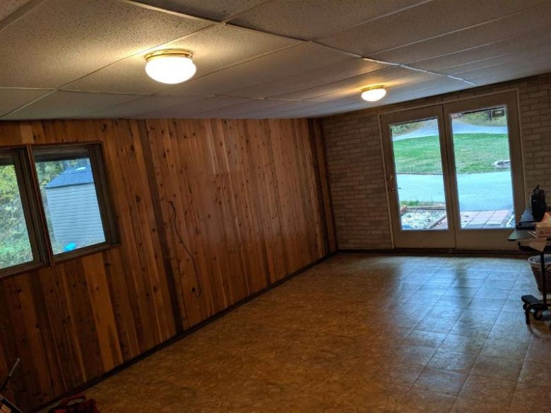 E9587 Manske Road, New London, WI by Coldwell Banker Real Estate Group $179,900
