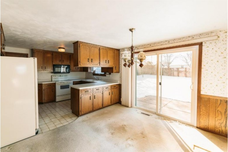 2969 Ferndale Drive, Green Bay, WI by Symes Realty, LLC $160,000
