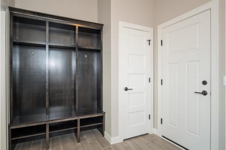 813 Ronald Overlook, Waunakee, WI by Stark Company, Realtors $575,000