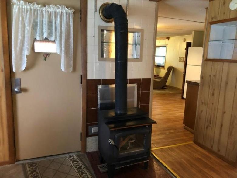W4701 40th St, Mauston, WI by Castle Rock Realty Llc $49,900