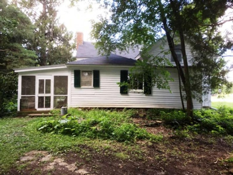 11140 N Church St, Evansville, WI by Pat'S Realty Inc $99,900