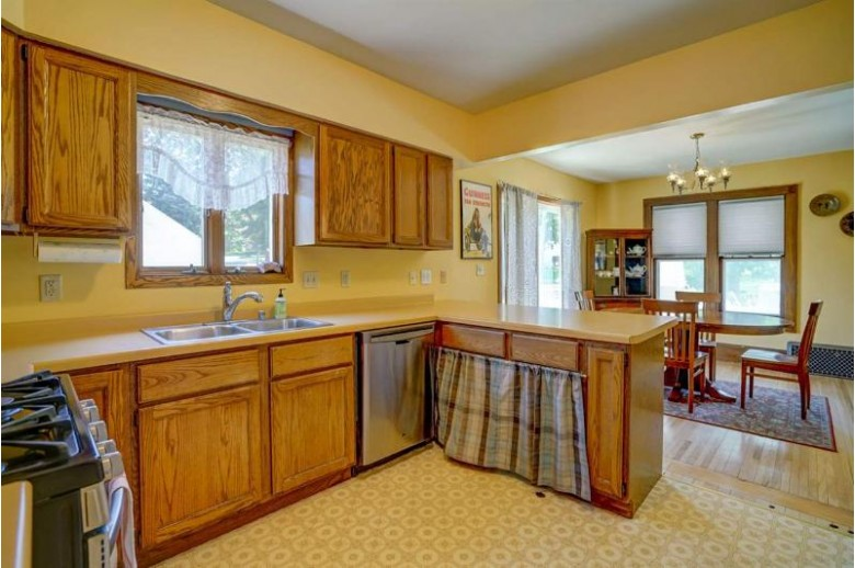302 E Garfield St, Mount Horeb, WI by Realty Executives Of Mt Horeb $228,800