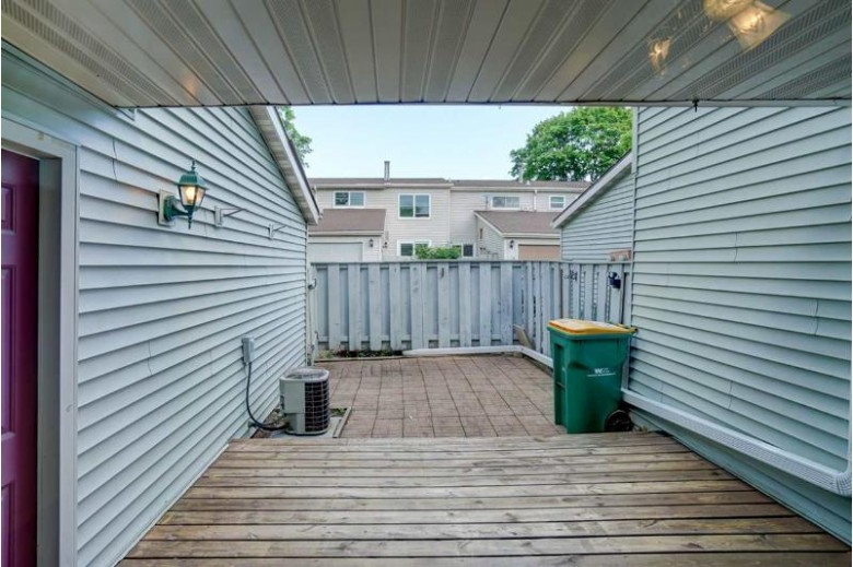 222 Grand Canyon Dr, Madison, WI by Re/Max Preferred $165,000