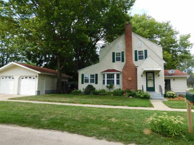 105 Center St, Blue River, WI by First Weber Real Estate $162,400