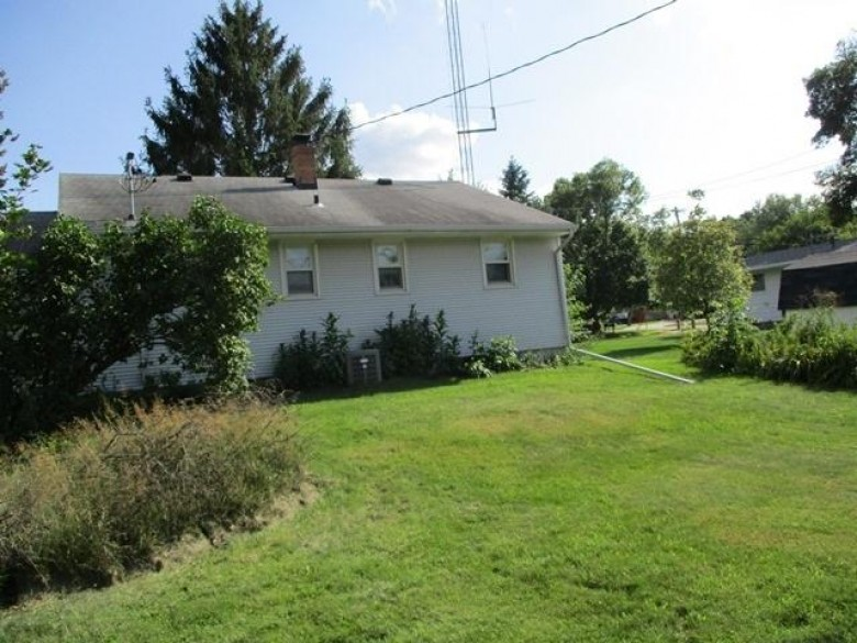1107 3rd St, Baraboo, WI by Gavin Brothers Auctioneers Llc $83,000
