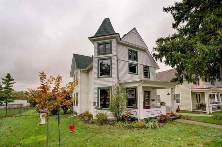 606 E Main St, Mount Horeb, WI by Badger Realty Team $222,900