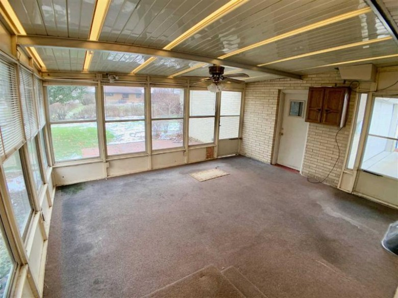 909 N Lexington Dr, Janesville, WI by Century 21 Affiliated $162,900
