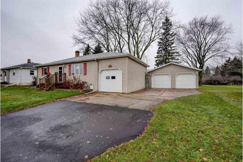 32 N Walker Way, Sun Prairie, WI by First Weber Real Estate $195,500