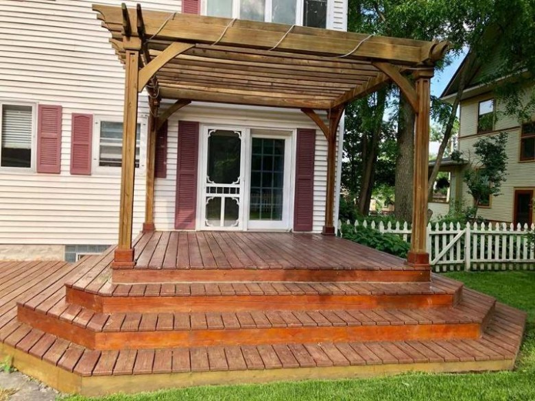 326 Forest Park Blvd, Janesville, WI by Premier Realty $179,900
