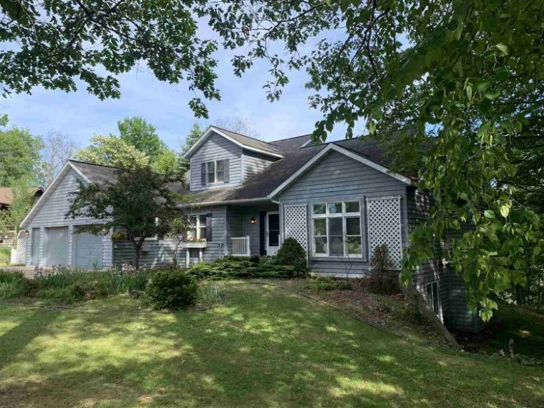 1025 N Evergreen Dr, Iron Mountain, MI by Leeds Real Estate $259,900