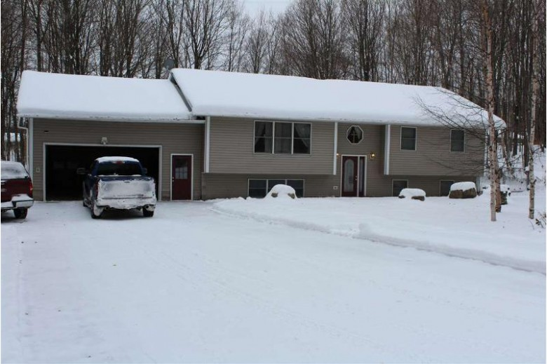 E9841 Kinston Dr, Munising, MI by Select Realty $229,000