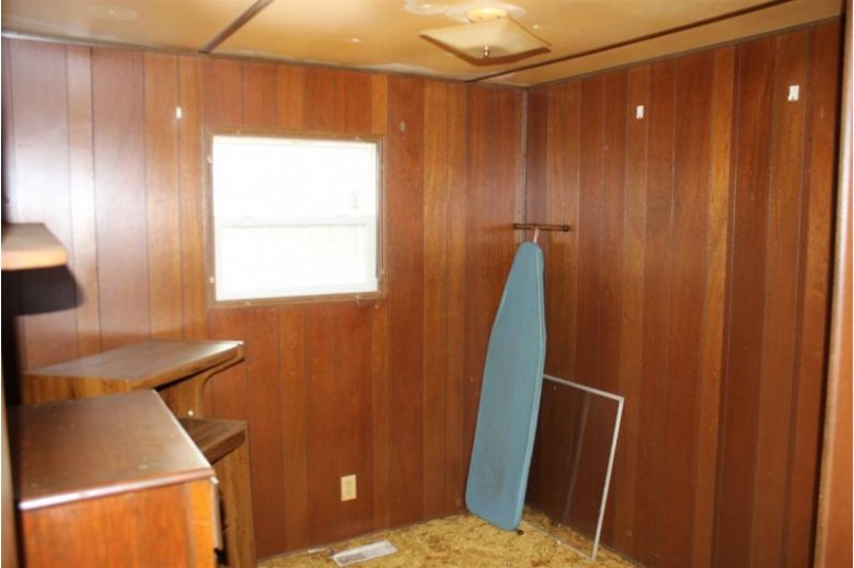 1736 Green Acres Road, Mosinee, WI by Re/Max Excel $57,500