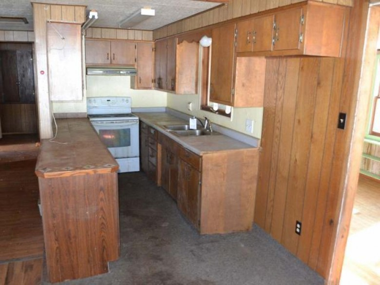 W941 Gross Ln, Russell, WI by Re/Max Excel $75,000