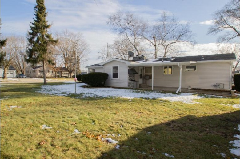 920 Franklin St, Watertown, WI by Realty Executives Platinum $194,900