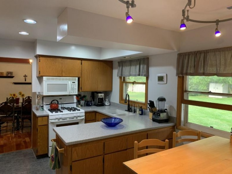 W190N4992 Sunset View Dr, Menomonee Falls, WI by Shorewest Realtors, Inc. $314,000