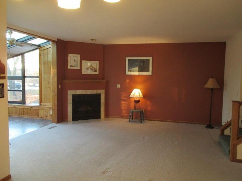 890 Pilgrim Pkwy, Elm Grove, WI by Your Home Buying Agency Llc $260,000
