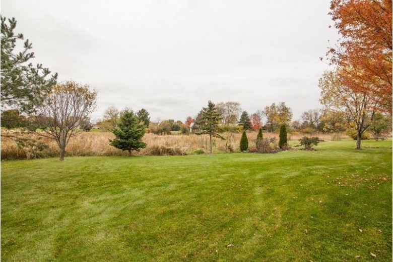 W4691 Ridgeview Rd, Elkhorn, WI by Re/Max Realty 100 $325,000