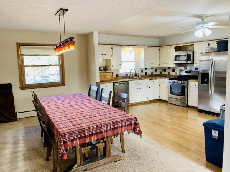 N87W15546 Kings Hwy, Menomonee Falls, WI by Kathleen Hansen & Associates. Llc $239,900