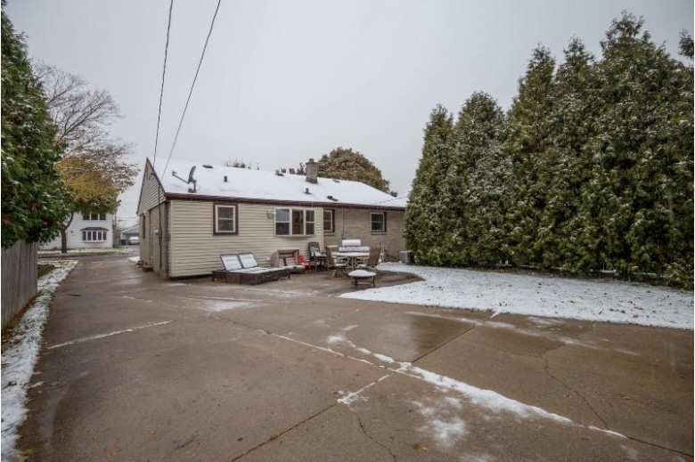 4508 S 5th Pl, Milwaukee, WI by Re/Max Lakeside-Capitol $199,900
