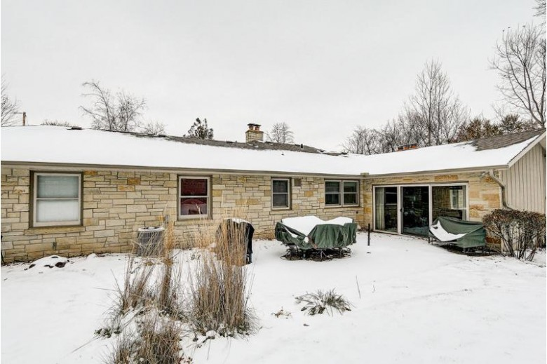 230 Elizabeth St, Watertown, WI by Re/Max Realty Center $285,000