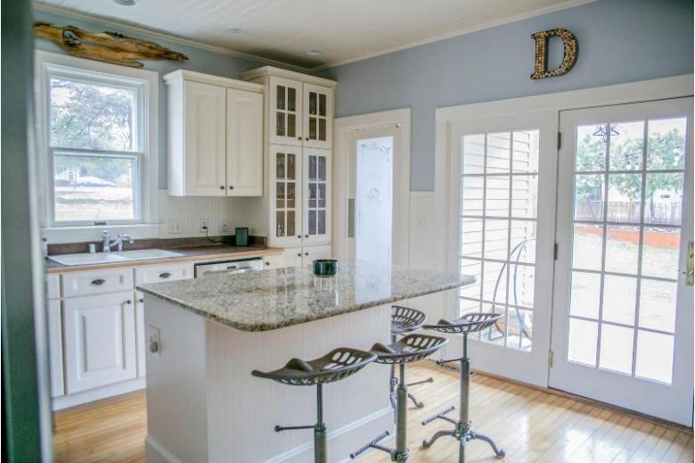N64W6215 Tyler St, Cedarburg, WI by Ridge Creek Realty $399,900