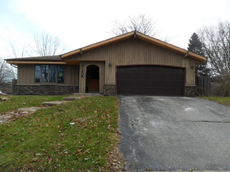 1405 Fox River Pkwy, Waukesha, WI by Coldwell Banker Homesale Realty - New Berlin $179,900